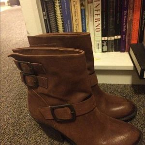 SALE Lucky Brand Western Boots